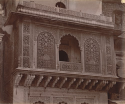 Close view of the carved balcony of a house, Lashkar